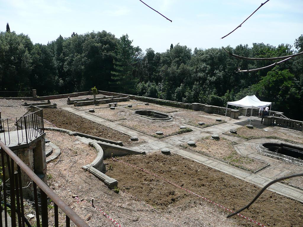 Realizzazione giardini lavori in corso al Salviatino